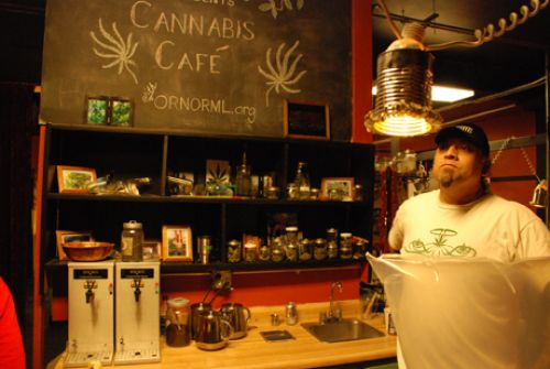 a look at oregon 39 s first marijuana cafe. Black Bedroom Furniture Sets. Home Design Ideas