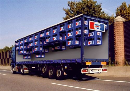 Trompe-l'oeil: Pepsi truck illusion